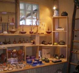 artisan-d-art-ceramique-exposition- bijoux-boite-a- bijoux-dolomieu